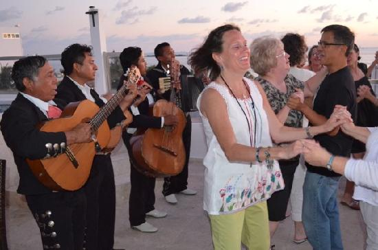 Casa Sirena: Mariachis come private parties!