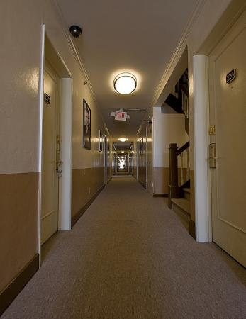 Hollywood Historic Hotel corridor