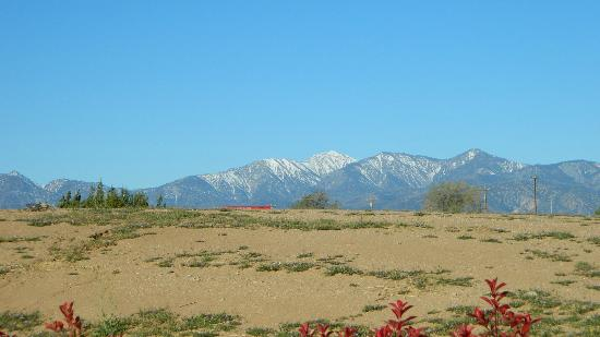 Hesperia, CA: View from the parking lot