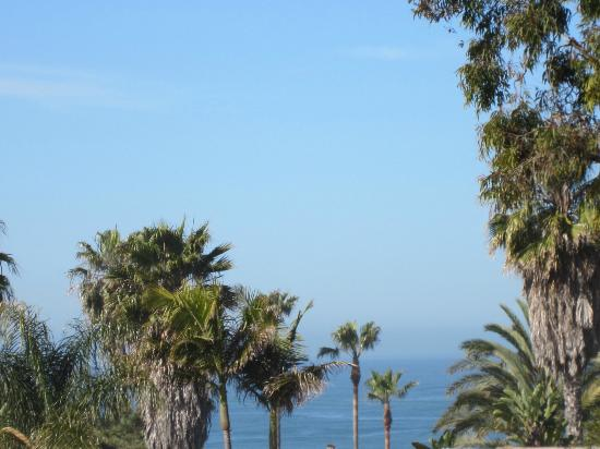 Clarion Del Mar Inn: View from room with me zooming past parking lot