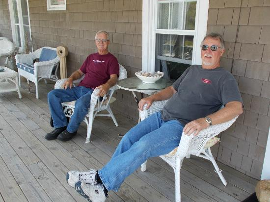Seaside Inn At Hatteras: Front porch