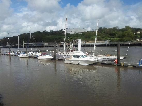 Fitzwilton Hotel: waterford boats