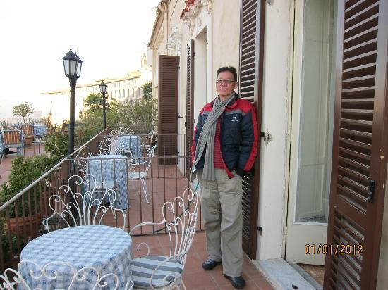 Hotel Subasio: on the balcony outside the bedroom