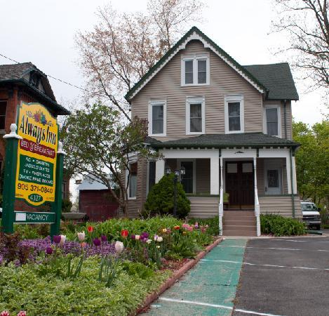 Always Inn Bed & Breakfast. Your home away from home in Niagara Falls