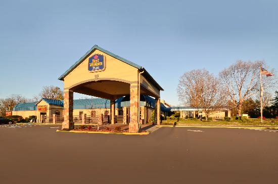 BEST WESTERN Johnson City Hotel &