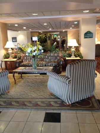 Wingate by Wyndham Sulphur: lobby