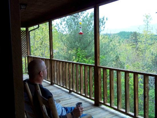 Laurel Mountain Cabins: Morning coffee