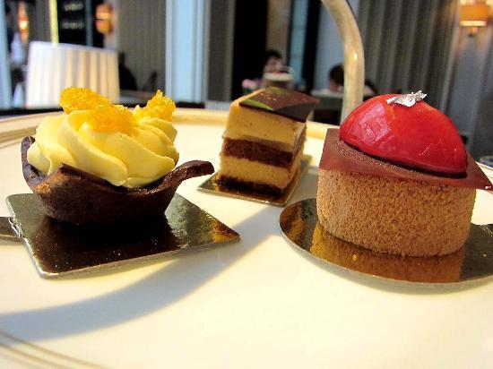 The Lanesborough, a St. Regis Hotel: Belgravia afternoon tea