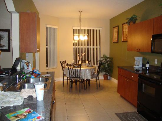 Disney Area Superior Homes: Kitchen