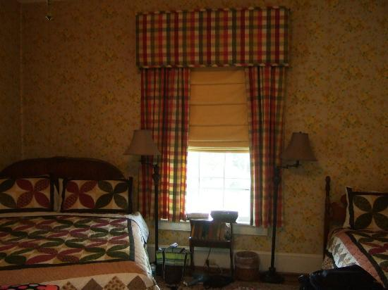 Fountain Hall B&B: The suite (two beds)
