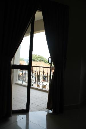 Swiss-Court Holiday Apartments Damai Laut: View from living room