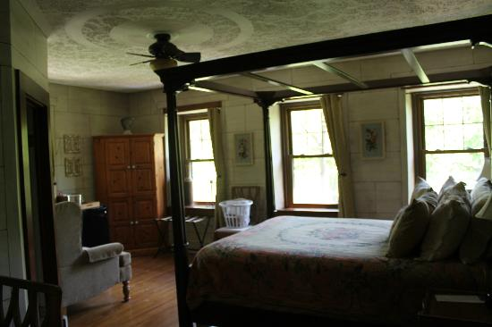 The Olde Stone House Bed & Breakfast