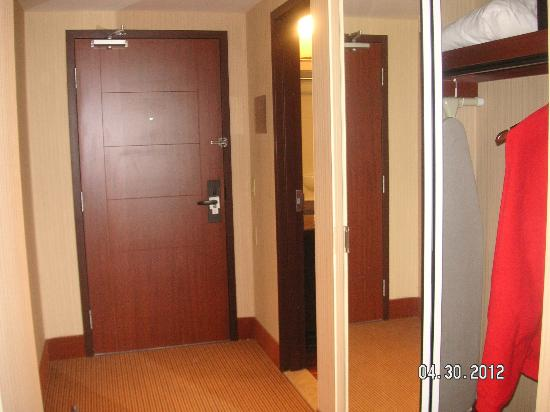 Quality Inn & Suites Levis: hallway entrance suite 218