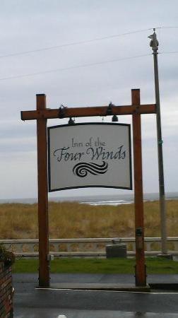 Inn of the Four Winds: Signage out from