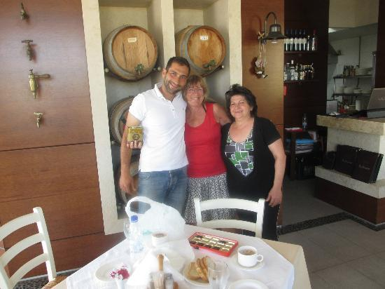 Kato Stalos, Greece: A warm welcome in the restaurant