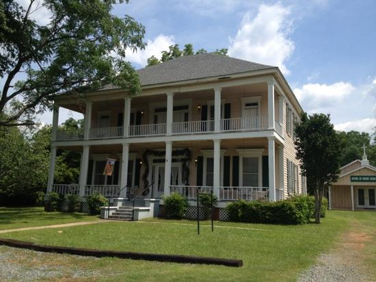 Keegan Cook House Bed and Breakfast