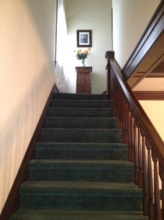 McFarland Inn Bed and Breakfast: Stairs