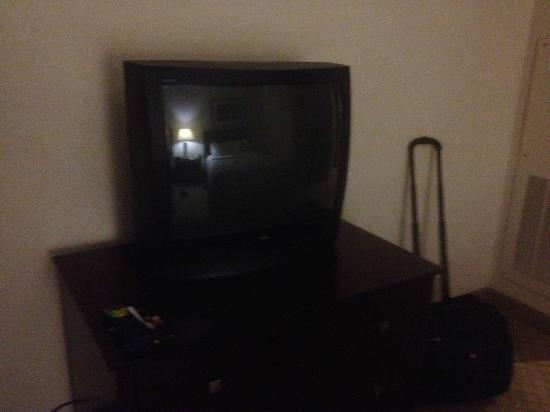 Holiday Inn Hotel & Suites Springfield - I-44: Old TV