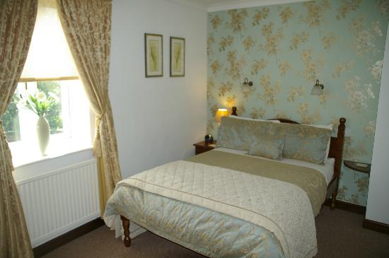 Middle Holly Cottage: Bedroom