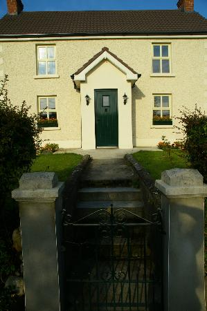 Darley Cottage: Front entrance