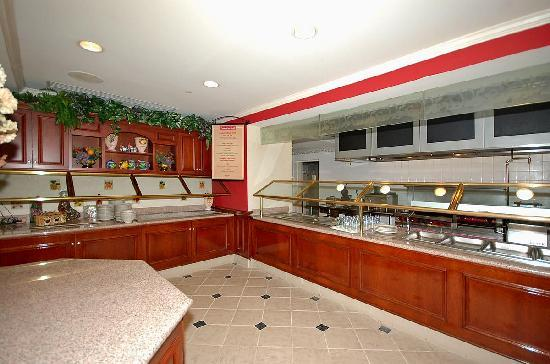 Hilton Garden Inn Bridgewater: Breakfast Bar