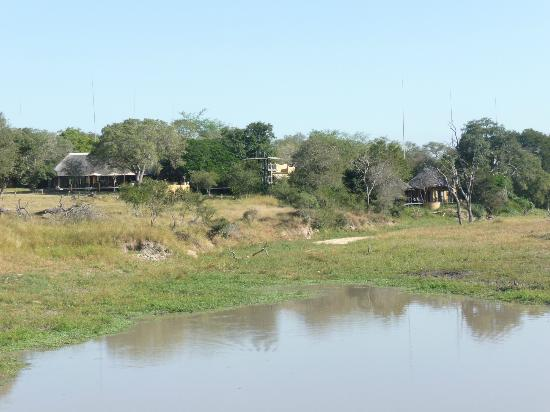 Djuma Bush Lodge: Vuyatela as seen from the dam wall