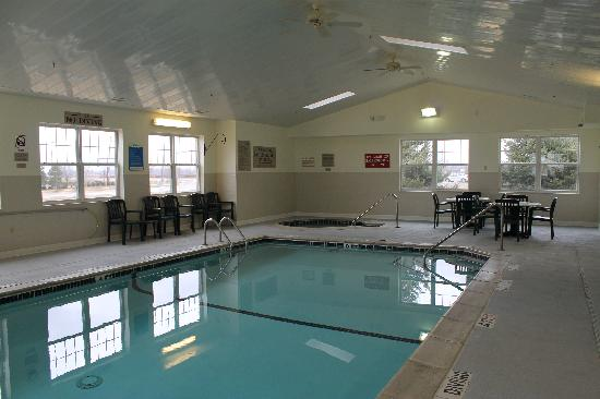 Country Inn & Suites By Carlson, Dundee: Indoor Pool