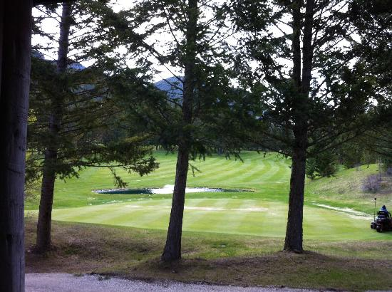 Radium Resort: Great view of the 18th green