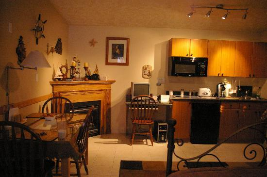 Embleton House Bed and Breakfast: All Suites have their own kitchen