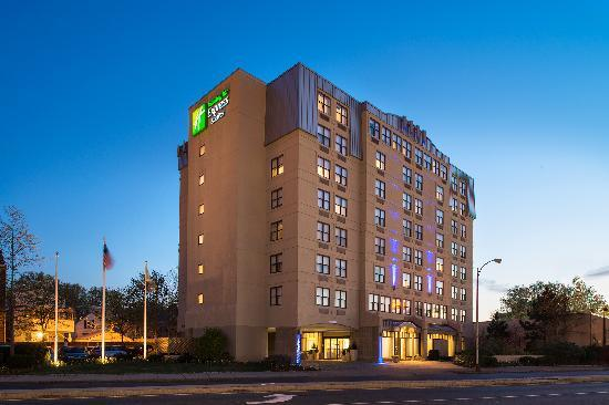 Holiday Inn Express & Suites Boston - Cambridge : Holiday Inn Express and Suites