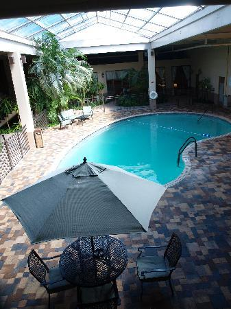 BEST WESTERN Garden Oasis: Newly Renovated Pool Area