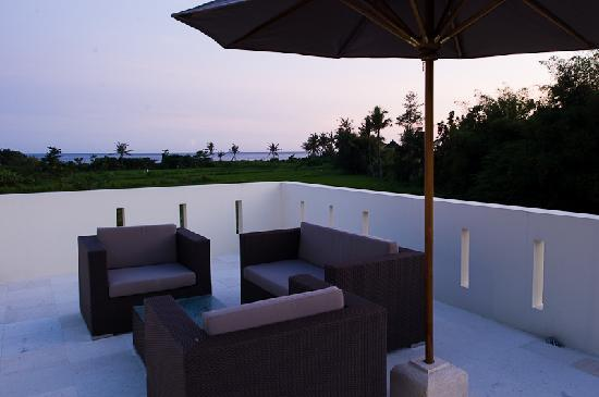 Keramas Moonlight Villa: Balcony with 360 Degree Views