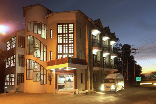 Hotel Himgiri