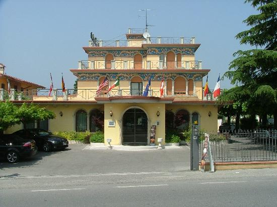 Photo of Gardenia Hotel Sirmione