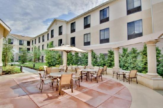 Homewood Suites by Hilton Fresno: Patio