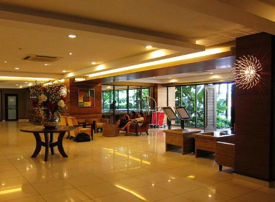 Banting, Malasia: Lobby - The only part of the resort that is nicely renovated..
