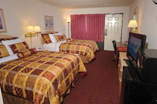 Branson Yellow Rose Inn and Suites: Double Queen Room