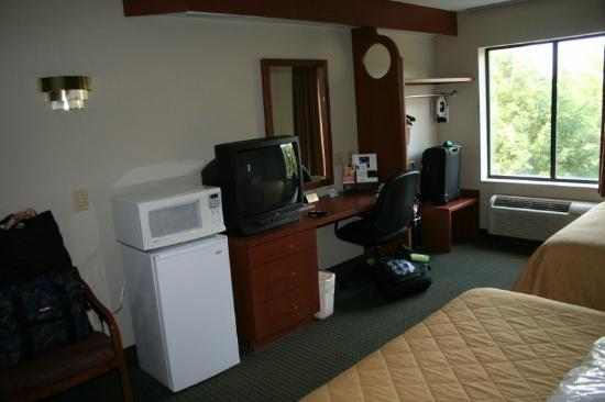 Sleep Inn Lake Norman: extras in room
