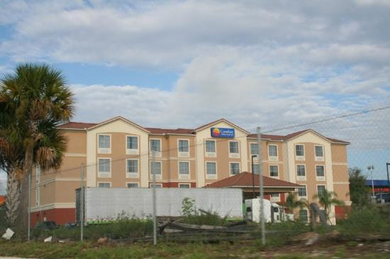 Comfort Inn & Suites Maingate South: outside view