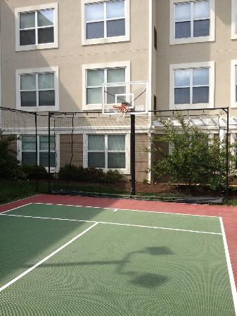 Residence Inn Greenbelt: Played some basketball