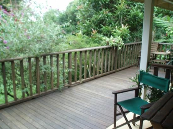 Kookaburra Lodge: Looking towards the Garden from the front entrance of the room