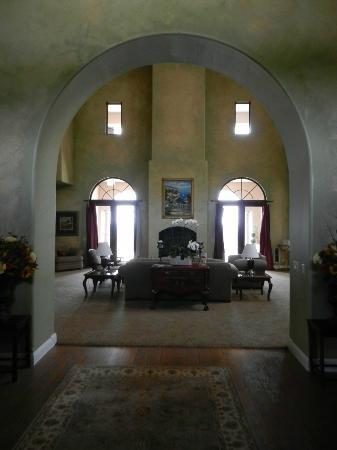 Belvino Viaggio: A view into the Great Room from the Front Door