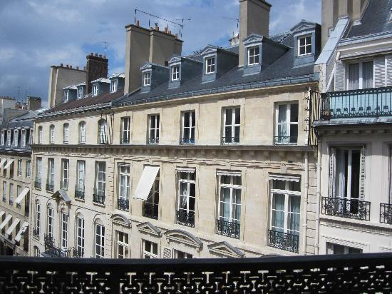 Hotel Lenox Saint Germain: The view from our window was lovely.