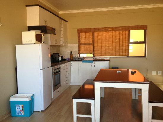 Atlantic Villa Boutique Guesthouse: Self catering unit kitchen