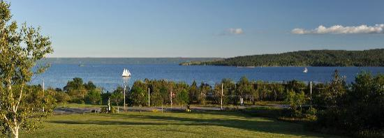 Silver Dart Lodge: The Best View in Baddeck!
