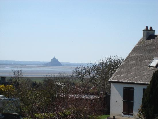 le mont st michel in the distance picture of abbaye du mont michel mont st michel