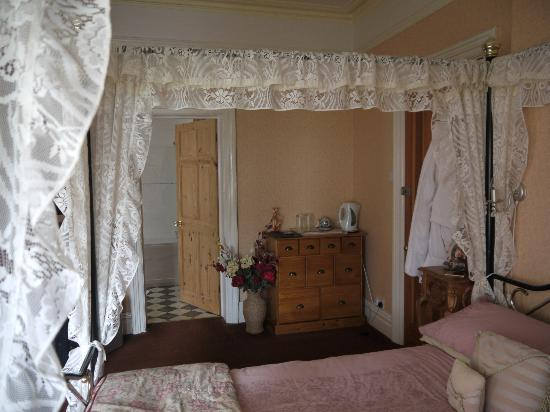 Plas Llwyd: Room