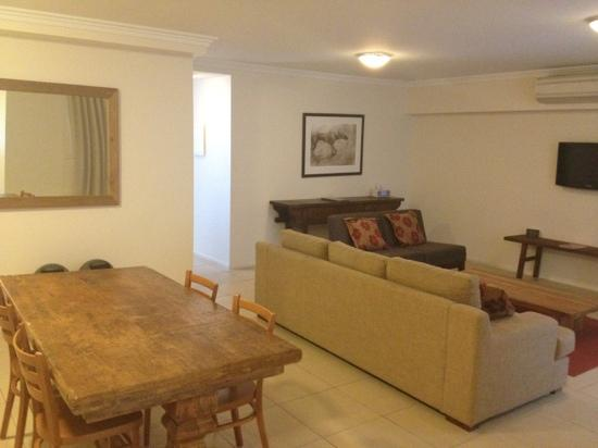 Apartments Inn, Byron Bay: Spacious living area