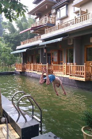 Moondance Boutique Resort: Swimming