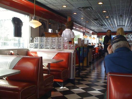 Dining area picture of rock and roll diner scarborough tripadvisor - Decoration annees 50 ...
